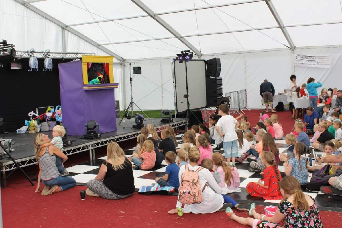 children's entertainers with puppet show York