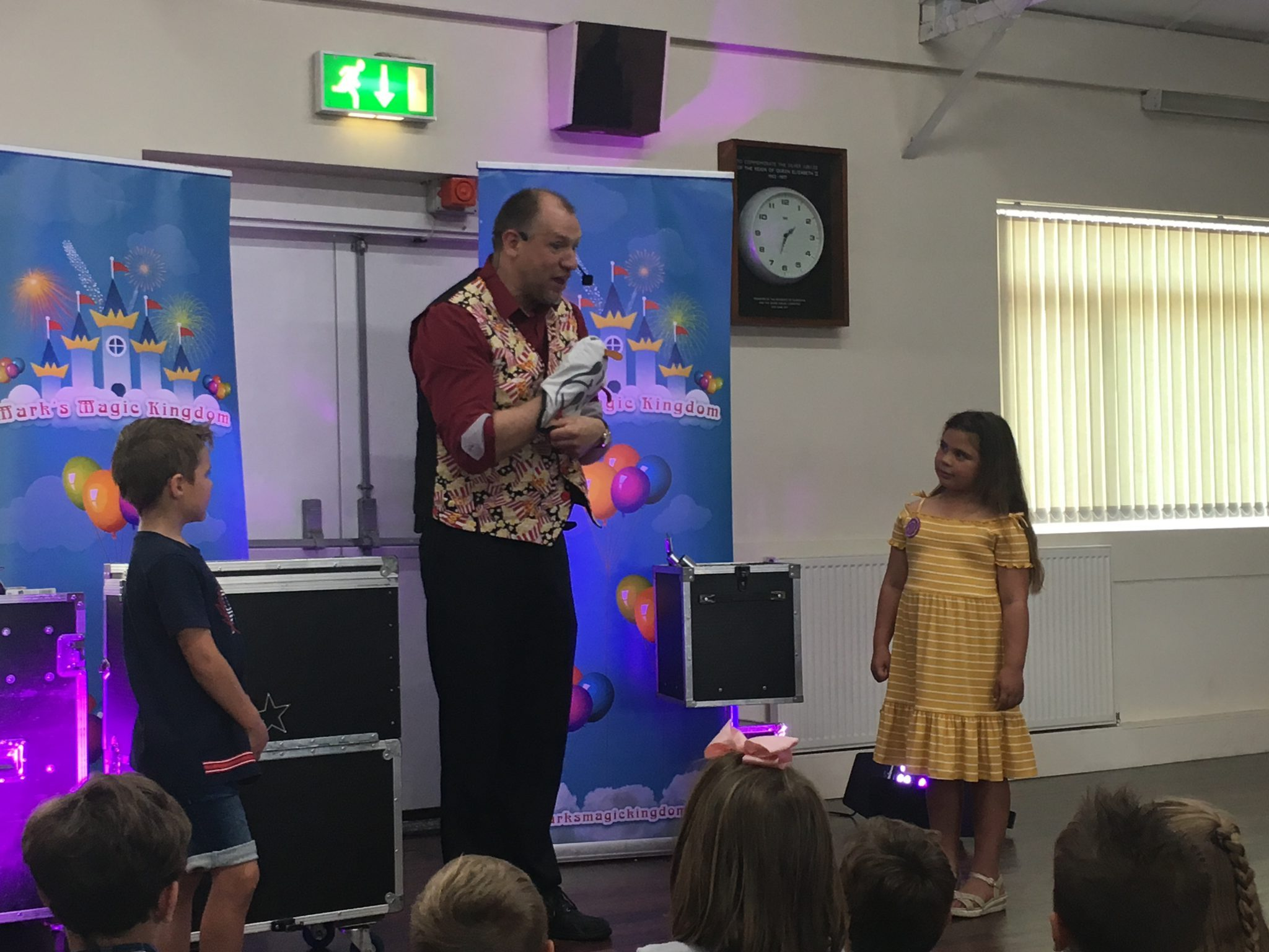 Children's entertainer Magic show